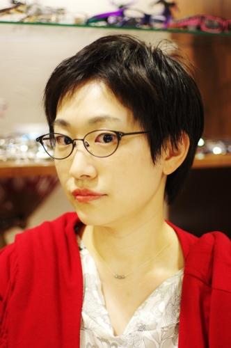 文学系女子眼鏡 ary(アリィ)