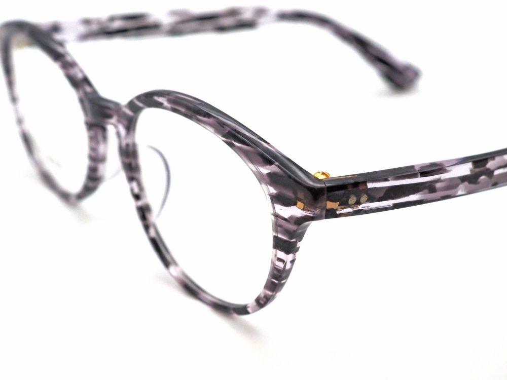 置き時計と春に似合う眼鏡 DJUAL, OH-05-80