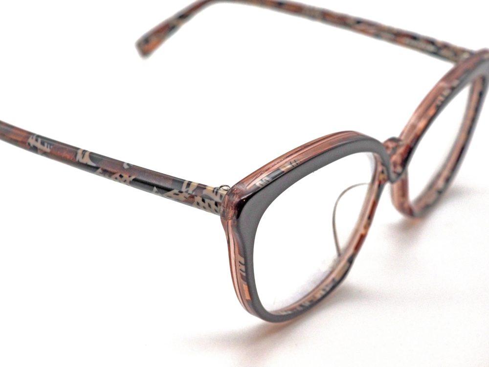 パッチワーク風で可愛く Pierre eyewear, LINE